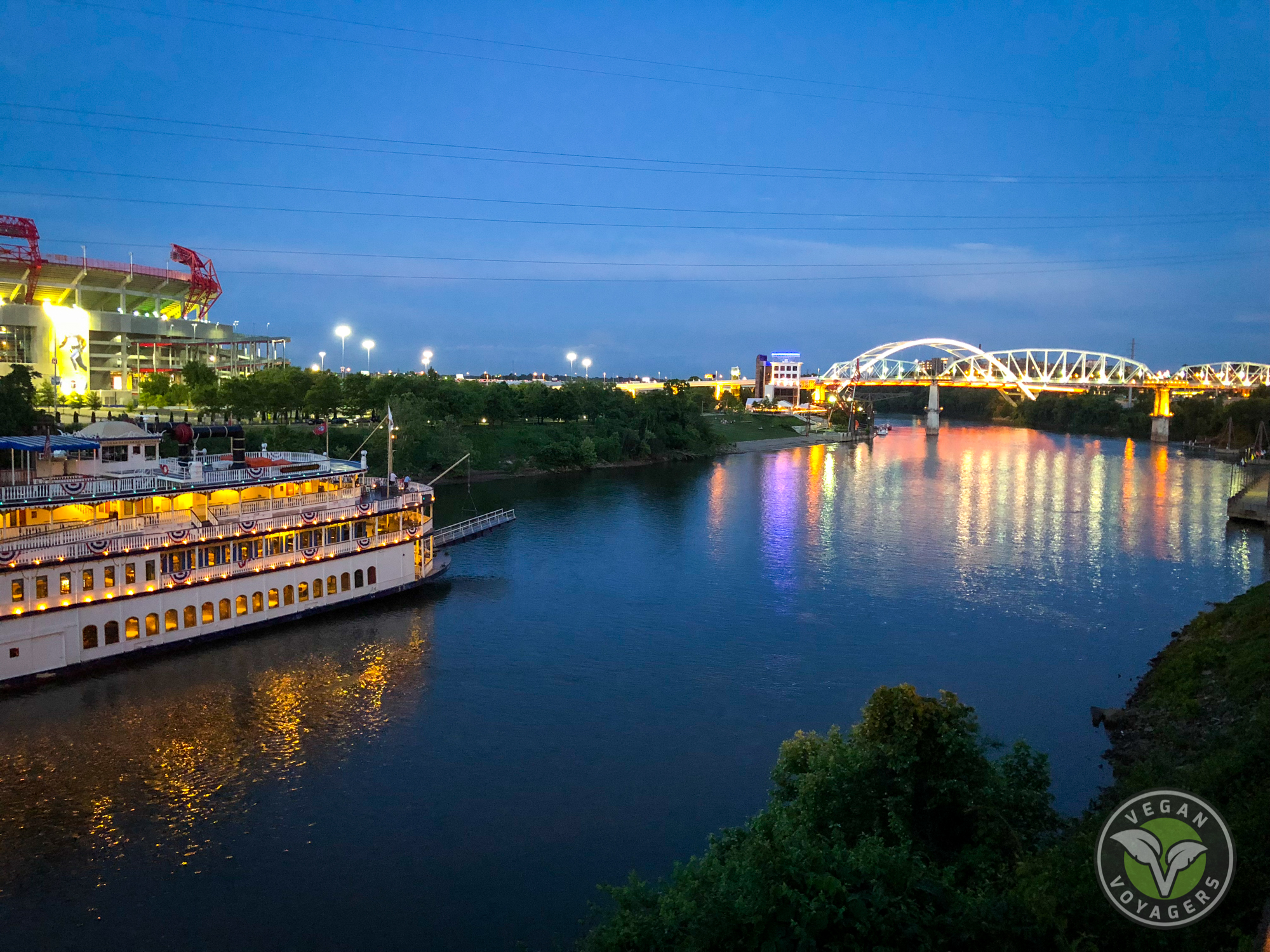 One Day in Nashville, TN (For People Who Don't Like Country Music) | Vegan Voyagers
